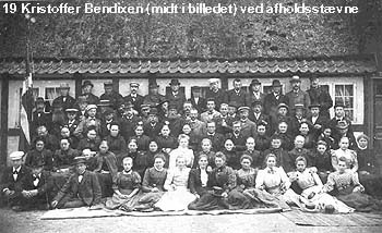 Kristoffer Bendixen (midt i billedet) ved afholdsstævne