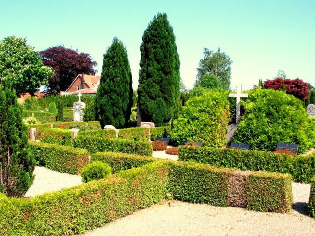 3 Rårudgårdes familiegravsted Kirkeby kirkegård