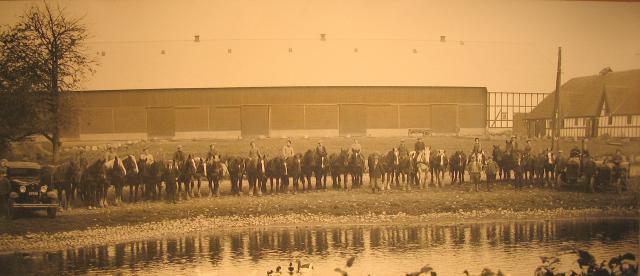 Hesteholdet og de første traktorer på Hvidkilde gods medio 1930erne