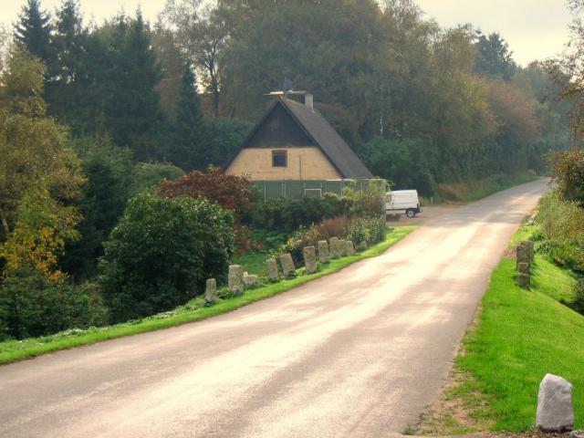 Kirkeby sogns gl. fattighus tæt ved åen