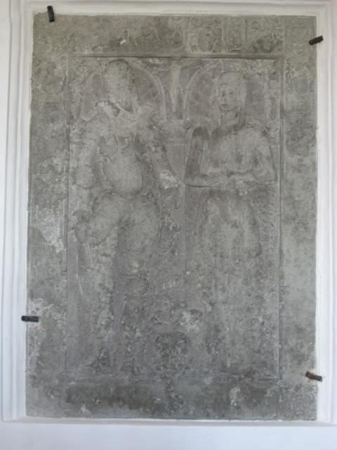 Sten i koret o. Margrethe Hvide og Claus Ulfeldt (1595) - Ulbølle kirke