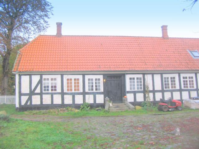 Stuehuset fra gården - Langhøj Møllegård