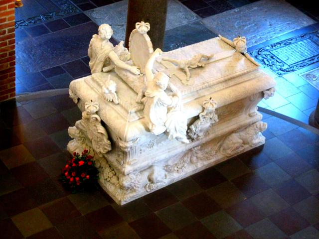 Christian 5 og Frederik 4 sarkofag i Roskilde Domkirke