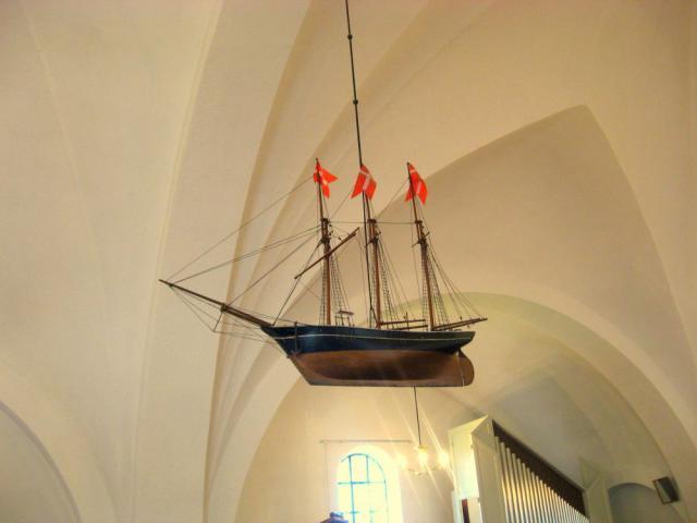 Sønder Nærå Valgmenighed - kirkeskib