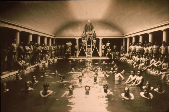 Ollerup gymnastikhøjskole - svømmehallen