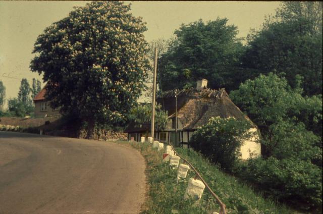 """Huset der skulle have inspireret H.C. Andersen til at skrive: """"Hist hvor vejen slår en bugt"""""""
