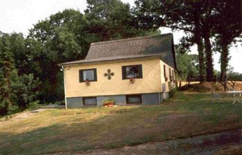 Skovhuset fra nord som det ser ud i år 2002 - efter tilbygning i 1955