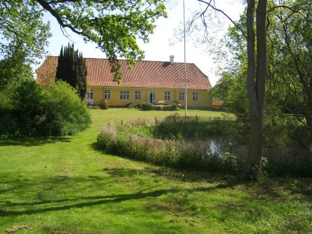 Vester Åby Præstegård bygget i 1844
