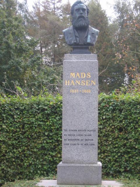 Busten på tæt hold - Mads Hansen