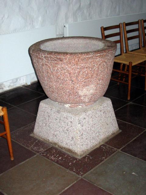 Døbefont - Skårup kirke