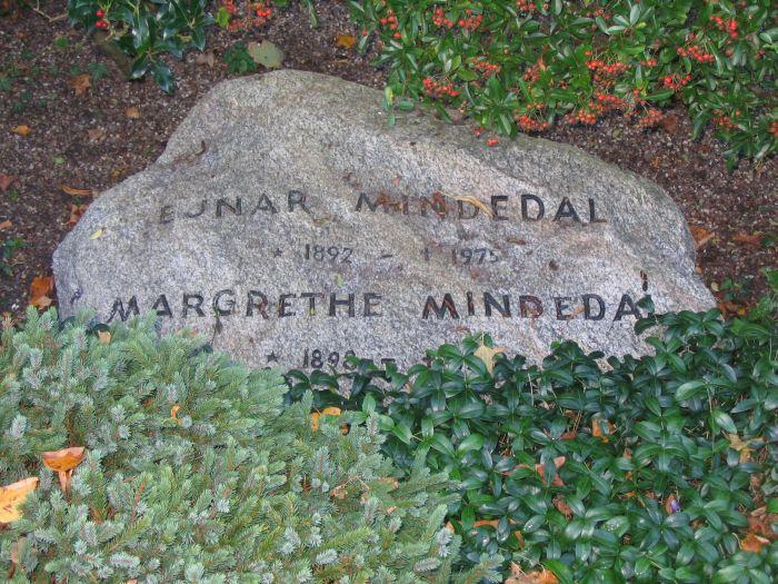 Forstander Ejnar Mindedal Ollerup kirkegård