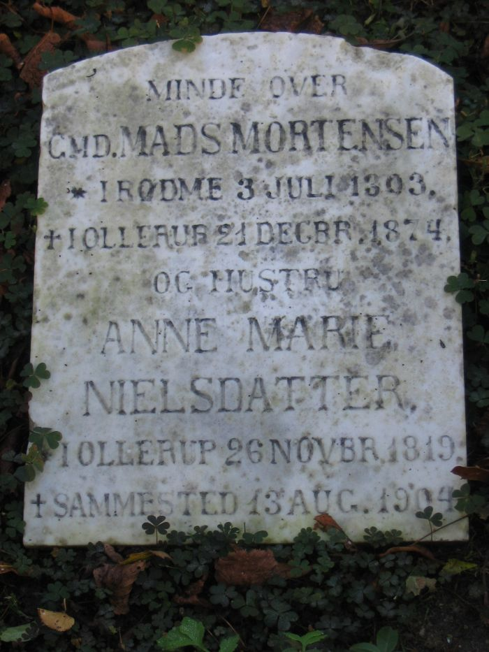 Gårdejer Mads Mortensen Ollerup kirkegård