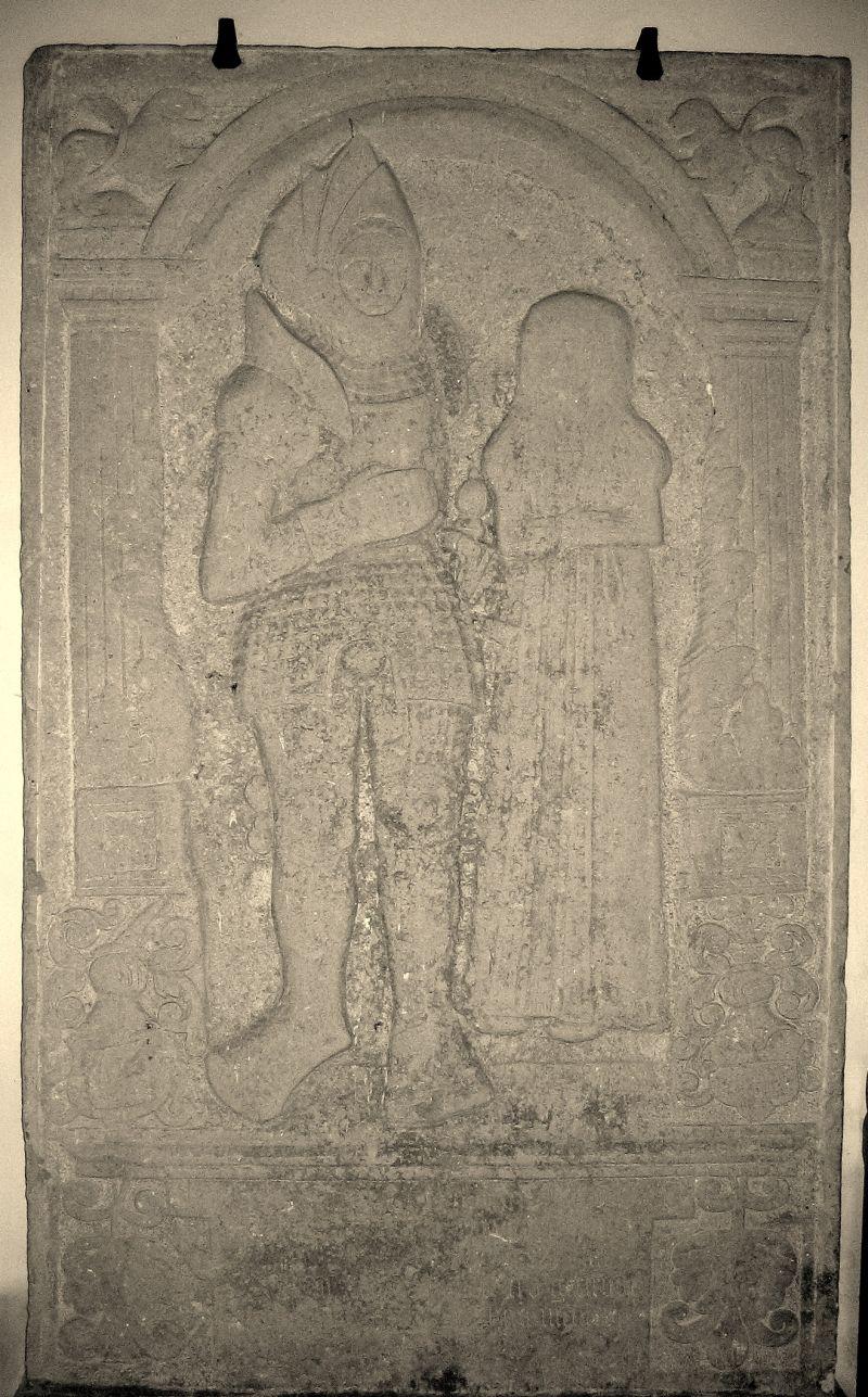 Gravsten for Johan Bjørnsen Bjørn +1534 og hustru Gertrud Parsberg +1560