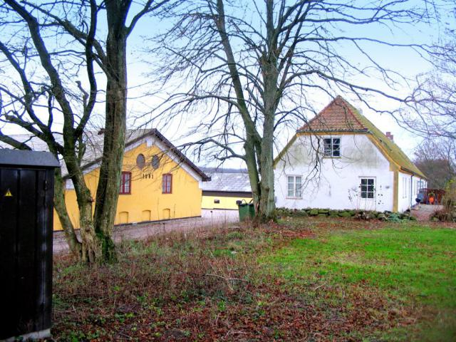 Hovedbygning og avlsbygninger set fra nord-øst - Heldagergård