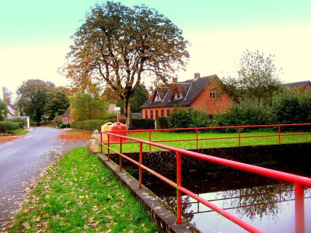 Høje gadekær (Høje by, Lunde sogn)