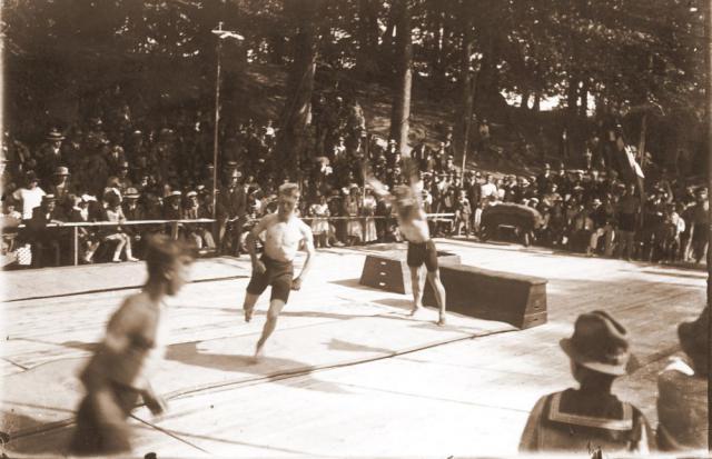 Gymnastikopvisning i Høje Bøge