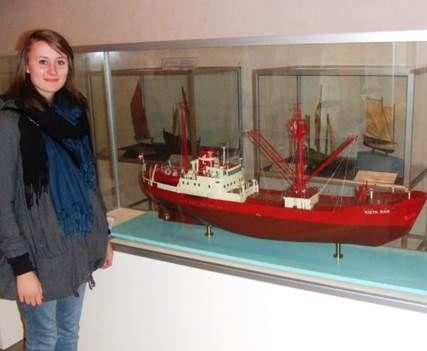 """Model af Polarskibet """"Kista Dan"""" med Messedrengens datter.               Handels- og Søfartsmuseet, Kronborg"""