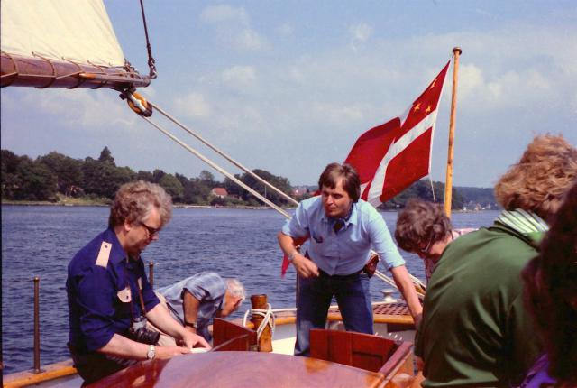 """""""Viking"""" med museumchef Henrik Jansen ved roret"""