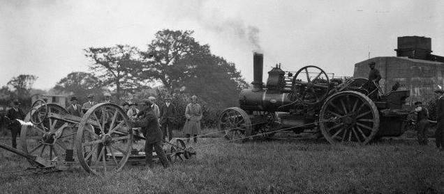 Endnu i 1922 kunne man i England se en plov blive trukket
