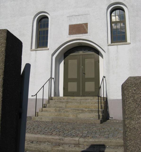 Stenstrup kirke m. indskriftstavle