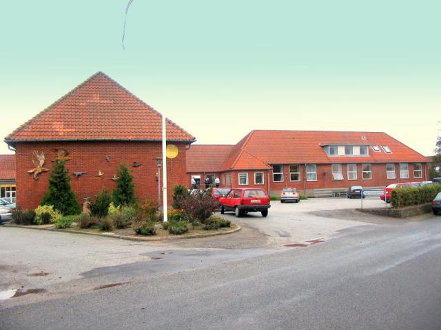 Lunde skole og sognegård (nu kursuscenter)