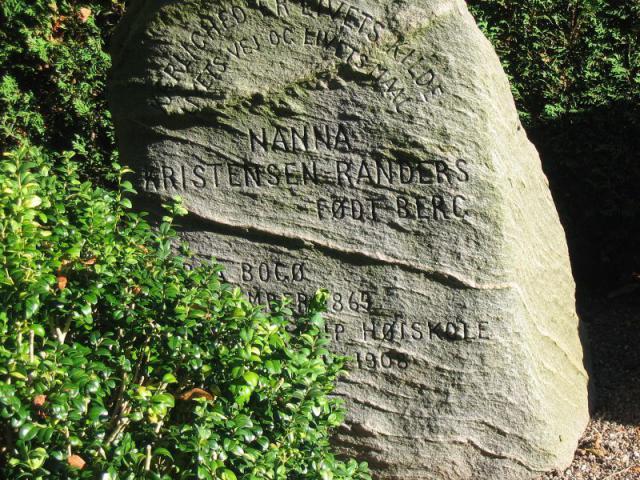 Nanna Kristensen-Randers' grav i Ollerup