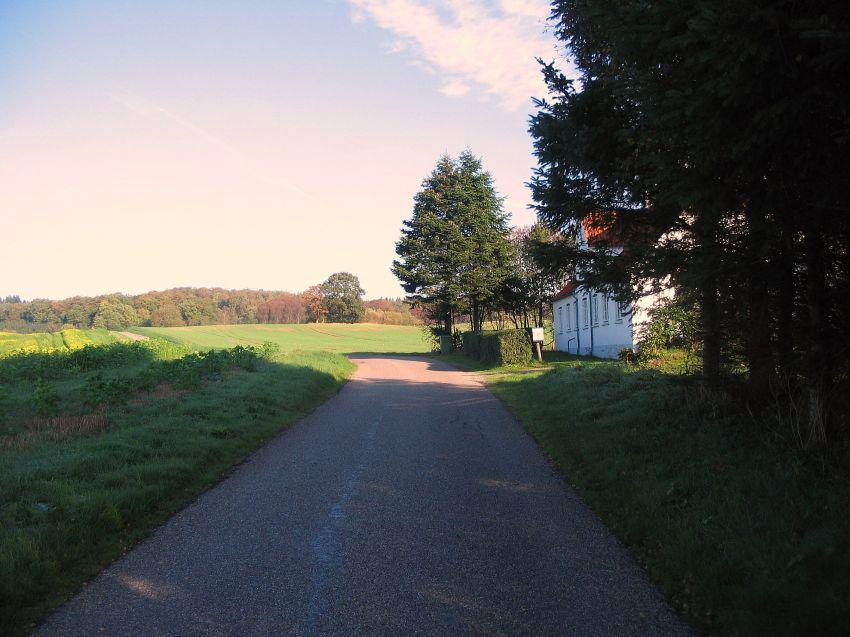 """""""Odense-Veyen"""" (Egense- Kirkeby) ved """"Egehuset"""" hvor sagnet fortæller om en prinsesse"""