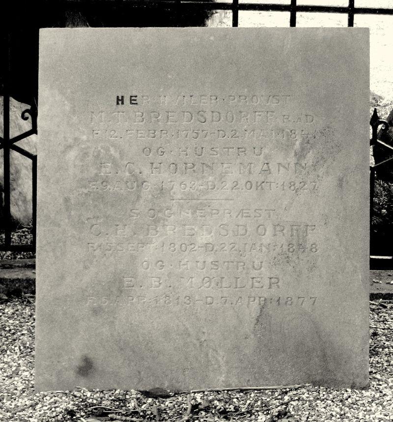 Provst M.T. Bredsdorff og sognepræst C.H. Bredsdorff Vester Skerninge kirkegård