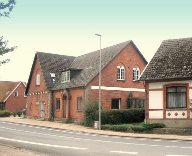 Stenstrup Skole lå i mange år på dette sted, en helt ny skole opf. 1906